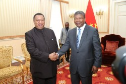 OPEC Barkindo with Angola President.jpeg
